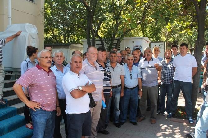 Tekirdağ'da 65 Minibüs Şoförü Büyükşehir Belediyesini Alkışlayarak Protesto Etti