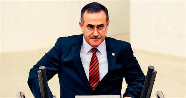 CHP, Özkes'i istifadan vazgeçirmeye çalışıyor