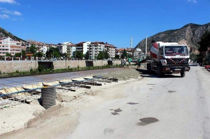 Amasya Belediyesi Yol Ve Kaldırım Çalışmalarına Hız Verdi