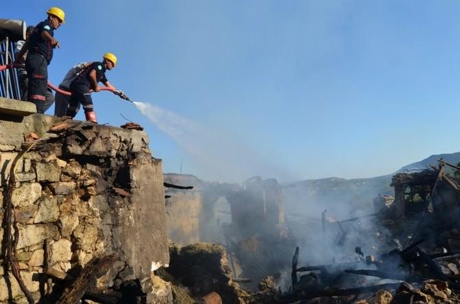 Selendi'de Korkutan Yangın