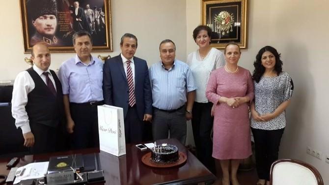 Özel Kalem Müdürü Mustafa Aşık'a Sürpriz Doğum Günü