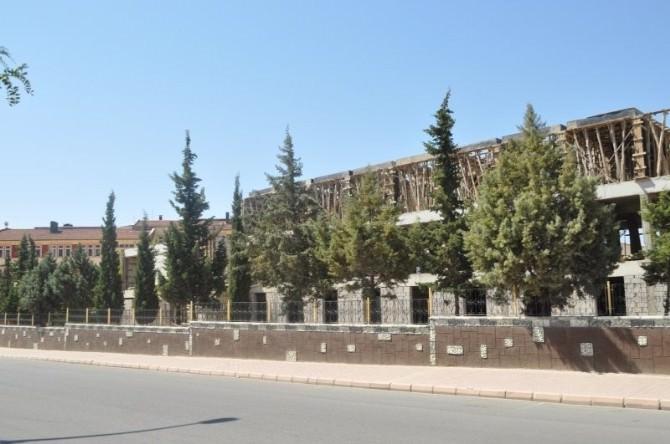 Vali Tapsız, Okul Ve Yurt İnşaatı İncelemelerine Devam Ediyor