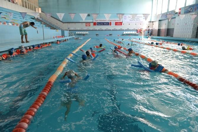 Yakutiye, Erzurum'un Çocuklarına Yüzme Öğretiyor