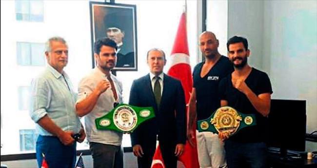 Milli boksörlere Altan'dan destek