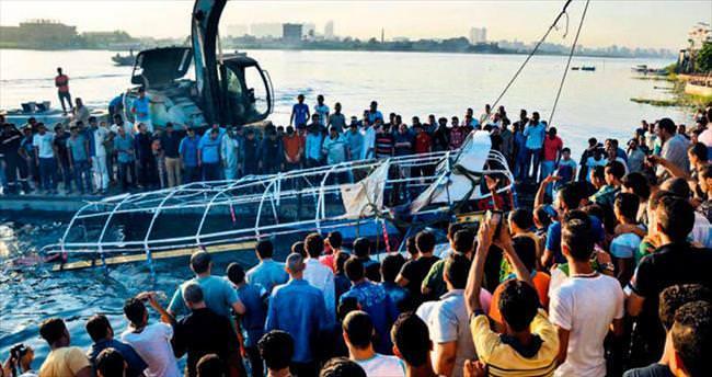 Nil Nehri'nde tekne faciası: 21 ölü