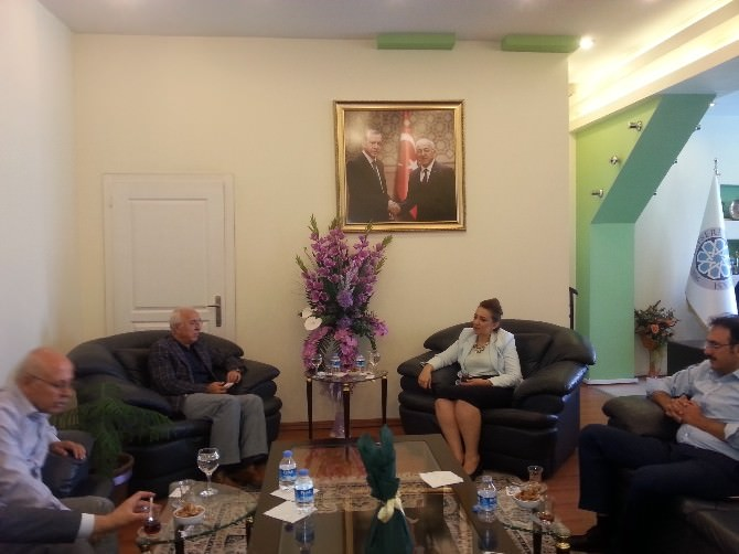 İş Kadınları Ve İş Adamları Konfederasyonu Genel Başkanı Nezaket Emine Atasoy Ticaretin Merkezi Kayseri'de