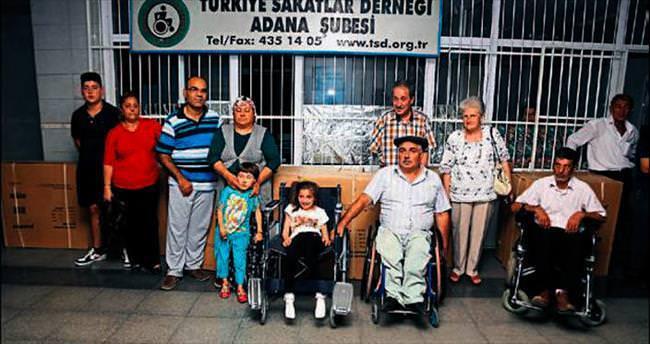 Hayırsever vatandaş engellileri sevindirdi