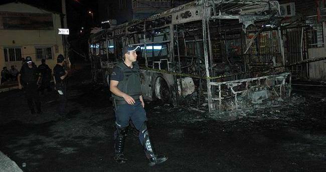 İzmir'de otobüse molotoflu saldırı