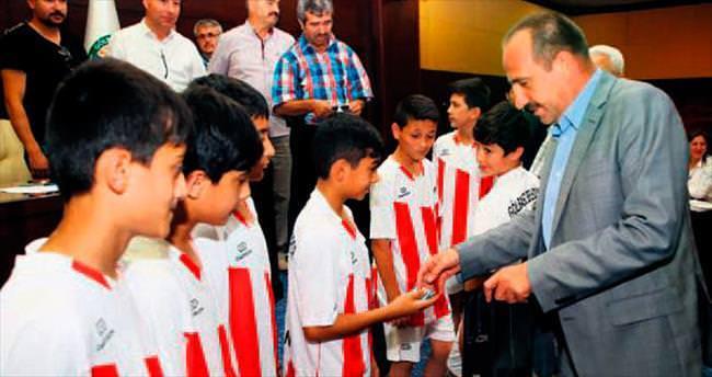 U-13 takımına Duruay'dan altın