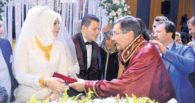 Esnafı bir araya getiren düğün