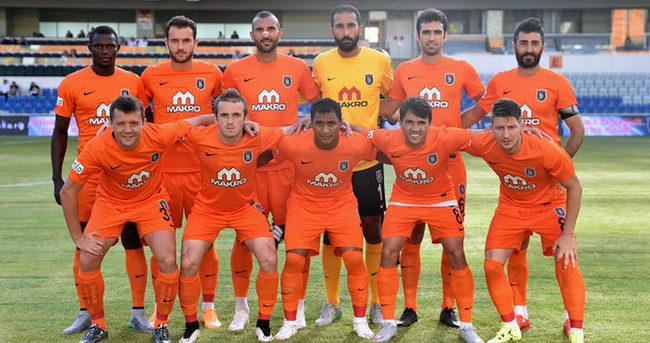 Medipol Başakşehir, Alkmaar maçı için Hollanda'ya gitti