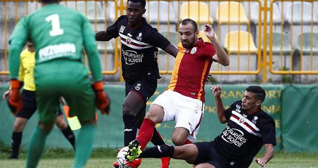 Galatasaray hazırlık maçında dağıldı