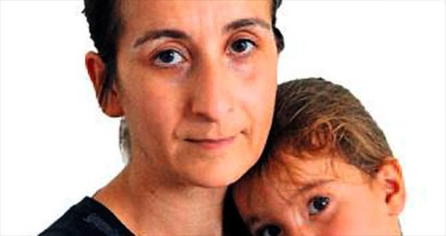İki çocuklu annenin yaşam mücadelesi