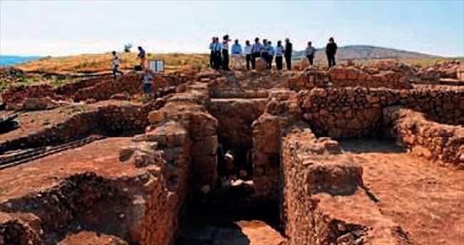Vali Özkan'dan antik kent gezisi