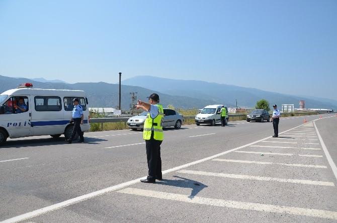 Kargı Polisi Araç Sürücülerini Denetledi