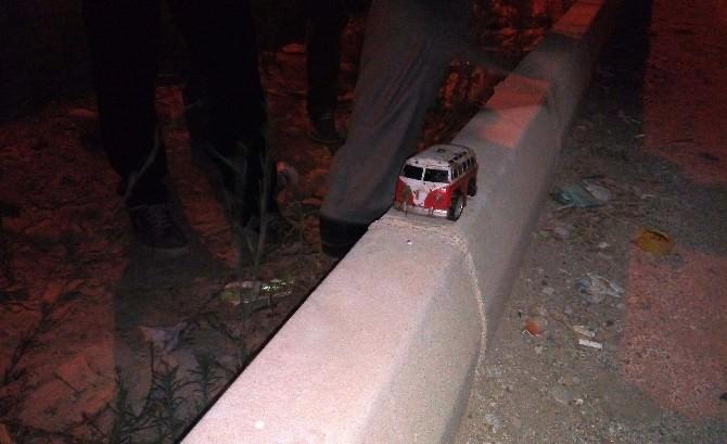 Oyuncak Arabanın Işığı Bomba Paniğine Neden Oldu