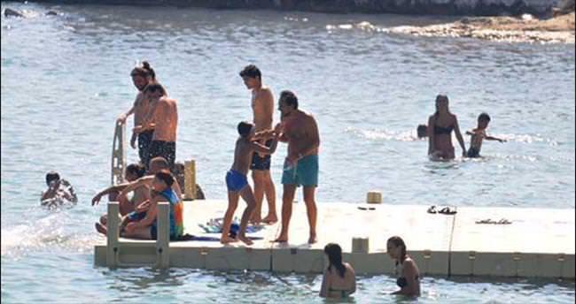 Plajda eğlendiler