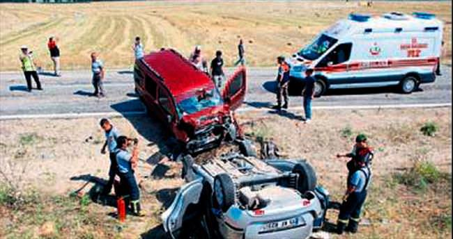Burdur'da kaza: 1'i ağır 6 yaralı