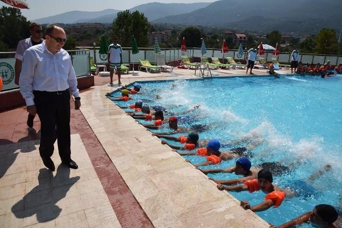 Başkan Üzülmez'den Yaz Spor Okullarına Ziyaret