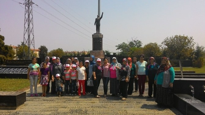 Ahmetlili Kadınlar Büyükşehir'i Gezdi