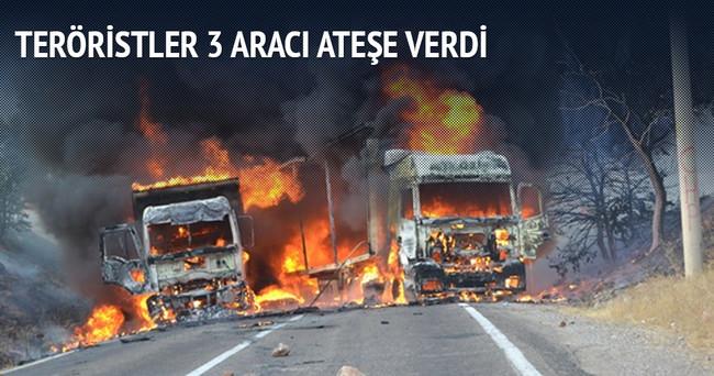 Tunceli'de teröristler 3 aracı ateşe verdi