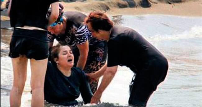 Denize giren iki kardeş boğuldu