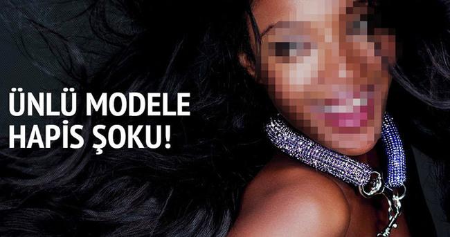 Dünyaca ünlü modele hapis şoku