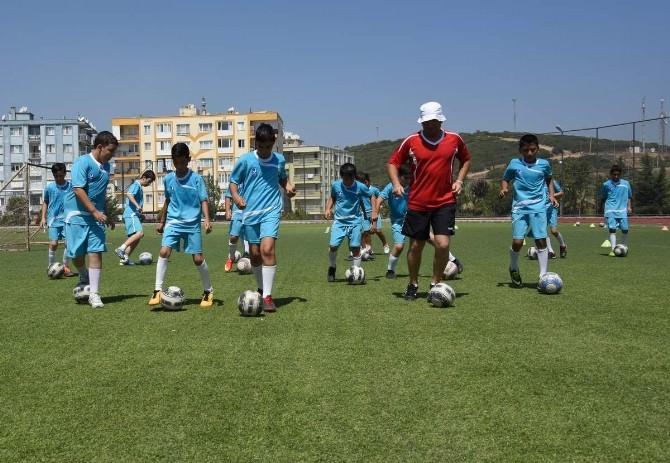 Aliağa'da Yaz Spor Okulları Heyecanı
