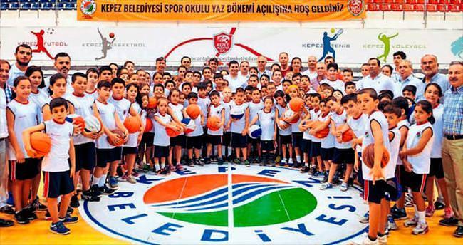 Kepez'den 3 bin öğrenciye spor