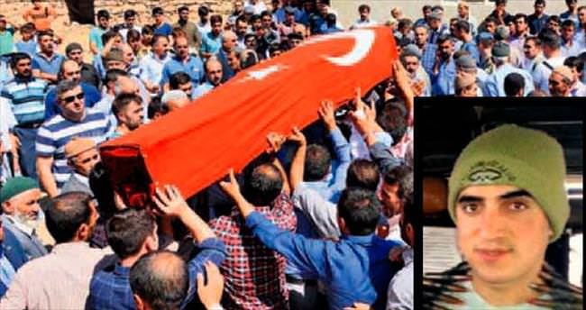Cenazede Kürtçe 'Şehitler ölmez...'