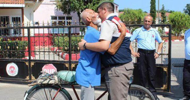 Torunu için bisikletle 1054 km gitti