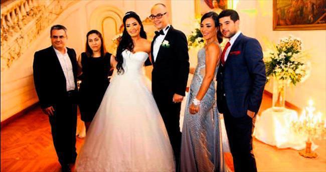 Türk diplomat Bosuter Mısırlı güzelle evlendi