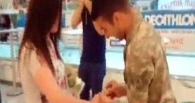Evlilik teklif ettiği kızı dolandırdı!