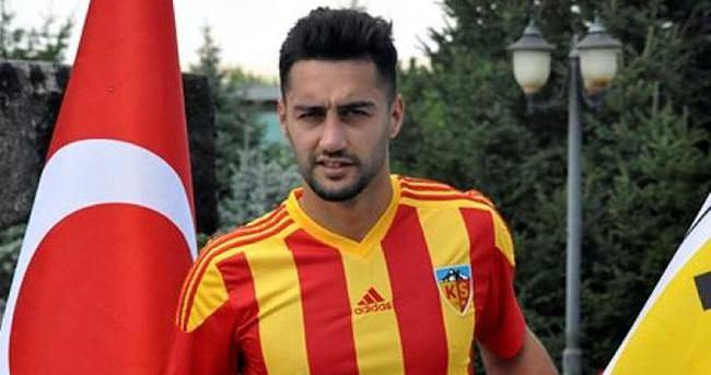 Mustafa Akbaş imzayı attı