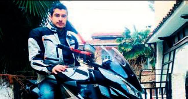 Motosikletle duvara çarpan yunus öldü