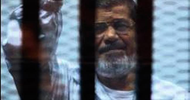 Mursi, zehirlenme korkusuyla yemiyor