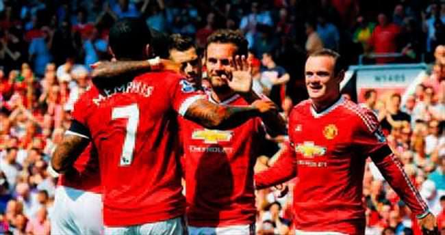 Manchester United siftah yaptı