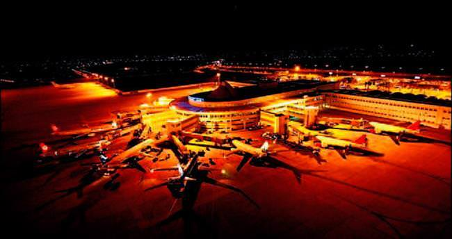 Antalya'da hava ve yolcu trafiği rekora doymuyor
