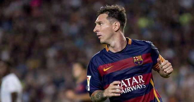 Messi Emery'nin takımlarını boş geçmiyor