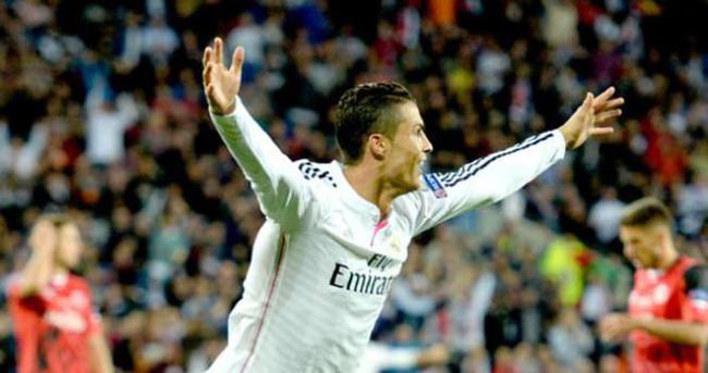 Ronaldo Galatasaray'a karşı sahada