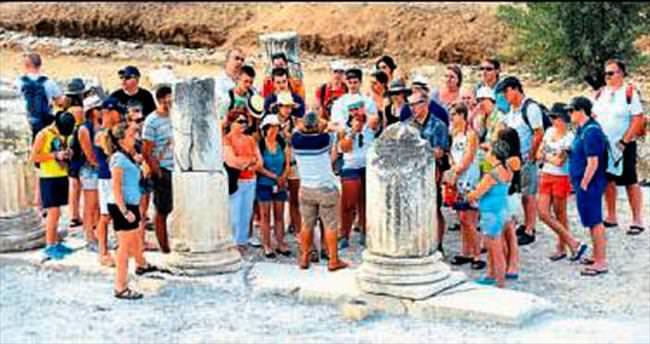 İzmir'e gelen turist sayısında düşüş var