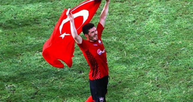 Azeri futbolcu tutuklandı