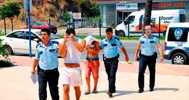 Plaj soyguncuları polisten kaçamadı