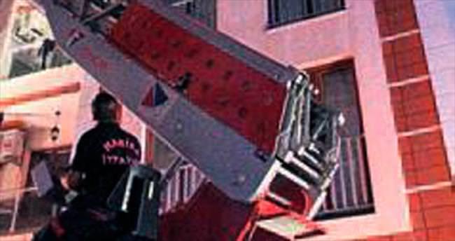 Manisa'da bir evde çıkan yangın korkuttu