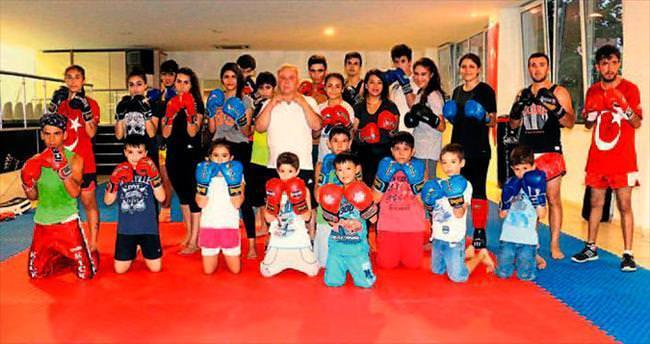 Yaz okullarında kick boks merakı