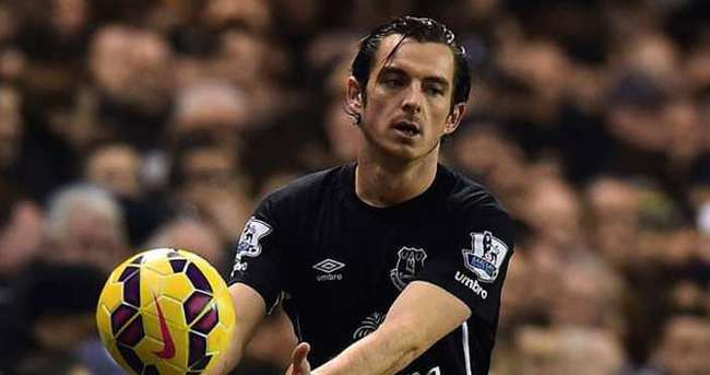 Everton'da Baines 3 ay yok