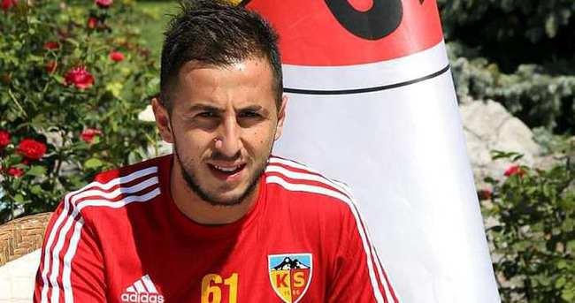 Zeki Yavru, Kayserispor'a imza attı