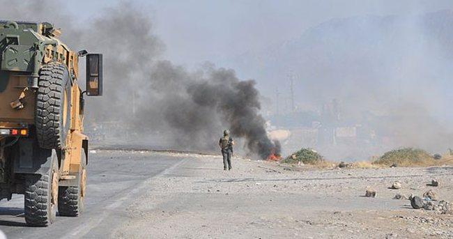 Otomobildeki bomba infilak ettirildi
