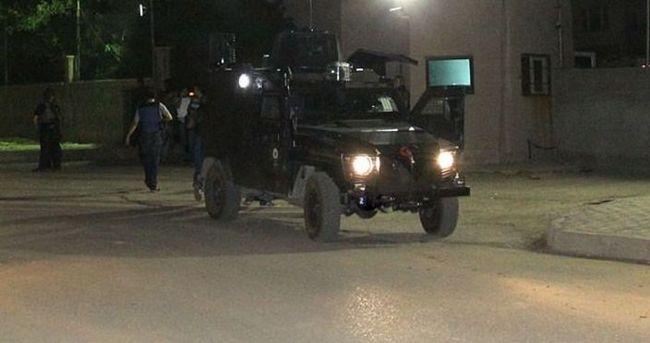 Muş'ta teröristler iş makinesiyle köprü yıktı