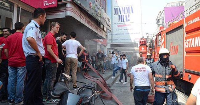 Beşiktaş Çarşı'da yangın paniği